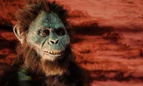 Recreación de un Australopithecus afarensis en Laetoli