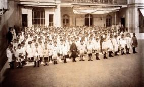 Foto alumnos escuela pública siglo 20